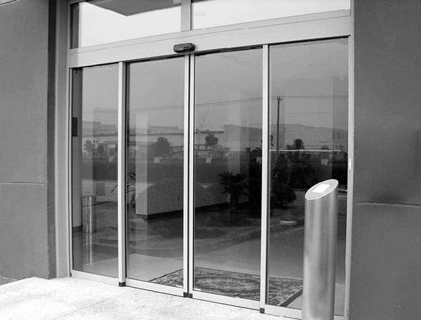 EC100 Sliding Door